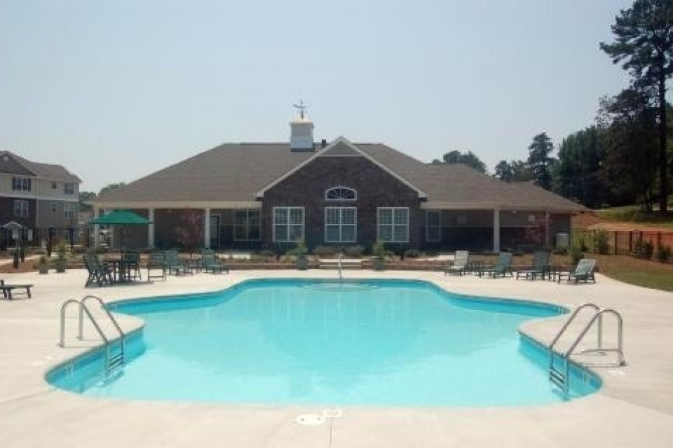 falls apartments pool